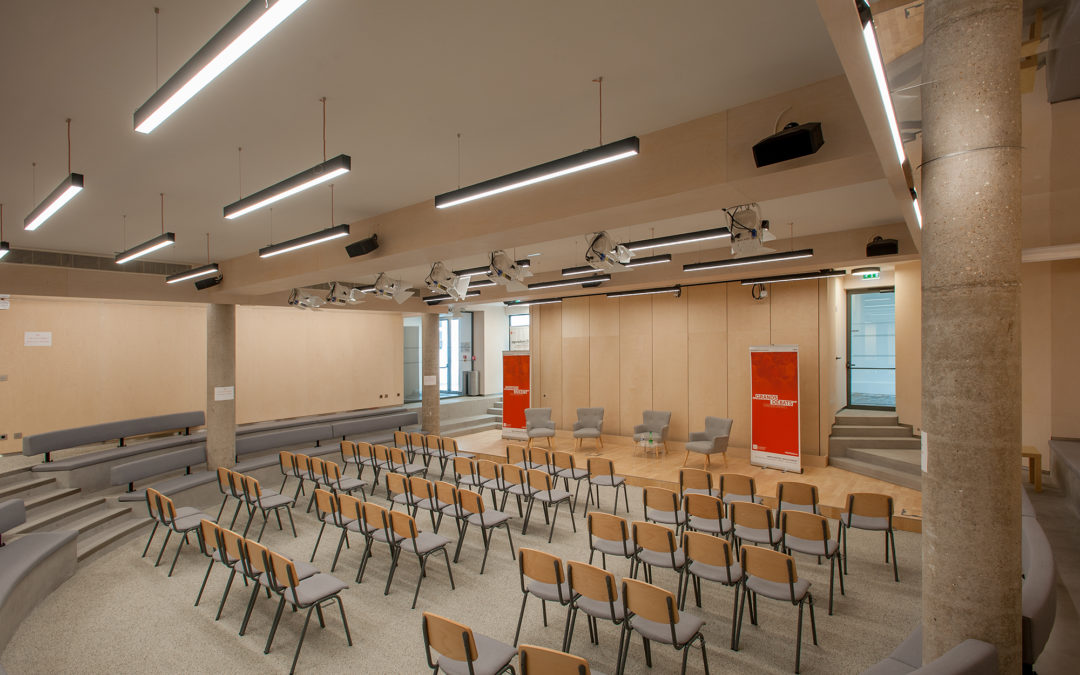 MoDem salle de conférence à Paris
