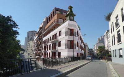 Ensemble immobilier d'habitations et de bureaux à Paris