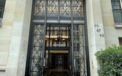 Hall d'immeuble à Paris